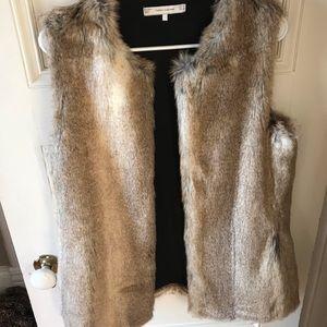 Zara fur vest! Sz medium gorgeous!
